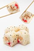 Rollo de sushi en mamenori — Foto de Stock