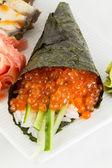 Salmon roe sushi temaki — Zdjęcie stockowe