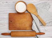 Pişirme bir kavram. malzemeler ve mutfak araçları — Stok fotoğraf