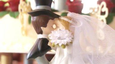 Wedding figurines — Stock Video