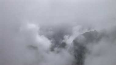 Clouds over the moutains — Stock Video