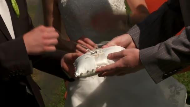 Anneaux de mariage — Vidéo
