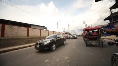 On the street of Iquitos, Peru — Stock Video