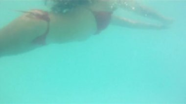 Woman relaxing In Swimming pool — Stock Video