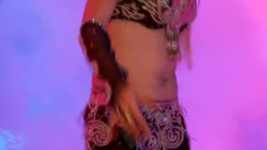 Belly dancer — Stock Video