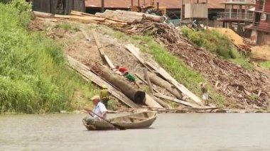 Shipyard, Amazon River, Peru — Stockvideo