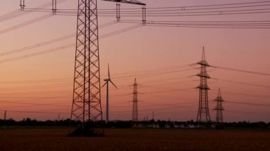 Postes de energía — Vídeo de Stock