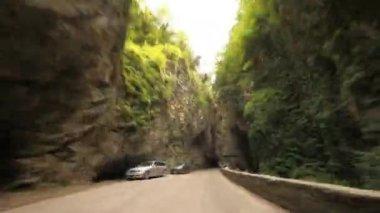 Kanyon yolda, i̇talya — Stok video