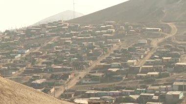 Slums in the desert — Stock Video
