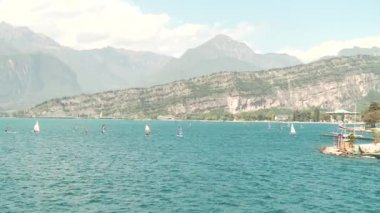 Sail boarders at the lake Garda, Italy — Video Stock