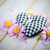 Corazón con flores — Foto de Stock