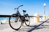 Bicycle on the beach — Stock Photo