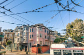 San Francisco victorian style and wire electrical net for Cable — Photo