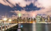 New York City - Skyline by night from Long Island - Manhattan Downtown — Stock Photo