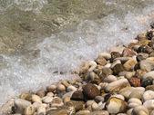 小石のビーチで — ストック写真