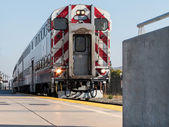Train 61 at the platform in California — Stock Photo
