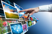Multimediale toccare con mano — Foto Stock