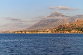 The Sea at Bagheria in the evening in Sicily near Palermo, Italy. View on a medieval Fortress on the blue sea — Stock Photo