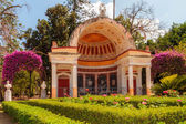 Pavilion with blooming flowers and bushes in the Palermo City Park — Stock Photo