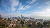 Skyline of Seattle in daylight — Стоковое фото