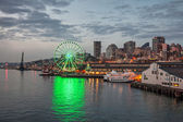 Skyline of Seattle in the evening — Stock Photo