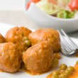 Meatballs with peas sauce and salad — Stock Photo #30473165