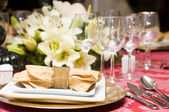 Fancy table set for a wedding celebration — Stockfoto