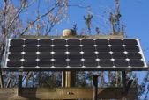 Zonnepaneel zelfstandige — Stockfoto