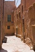 Narrow street in medina — Stock Photo