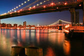 Under Brooklyn Bridge — Stock Photo