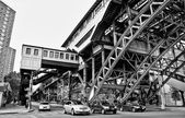 Elevated train tracks in Harlem — Stock Photo