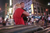 Times Square young couple — Stock Photo