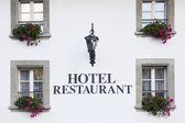 Fenster der schweiz-hotel — Stockfoto