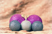 Christmas balls with golden background — 图库照片