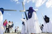 "SEVILLE. SPAIN - APRIL 13: Penitents of the brotherhood of ""La E — Stock Photo"