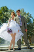 Redhead bride and groom — Stockfoto