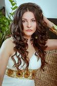 Signora in bianco — Foto Stock