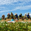 Farmers harvest peanut at farmland — Foto Stock