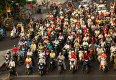 Crowed  scene of urban traffic  in Vietnam rush hour — Stock Photo