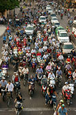 Urban traffic, air polution, exhaust fumes, Vietnam — Stock Photo