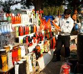 Vietnamese consumer choice product at open air farmer market — Stock Photo