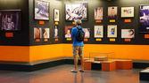 Tourist visit Vietnam War Remnant Museum — Stock Photo