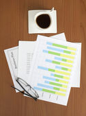 Business Plan & Graph on the Table — Stockfoto