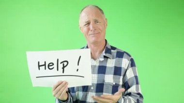 Senior casual caucasian man worried with help sign — Stock Video