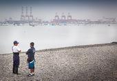Workers on the beach — Foto de Stock