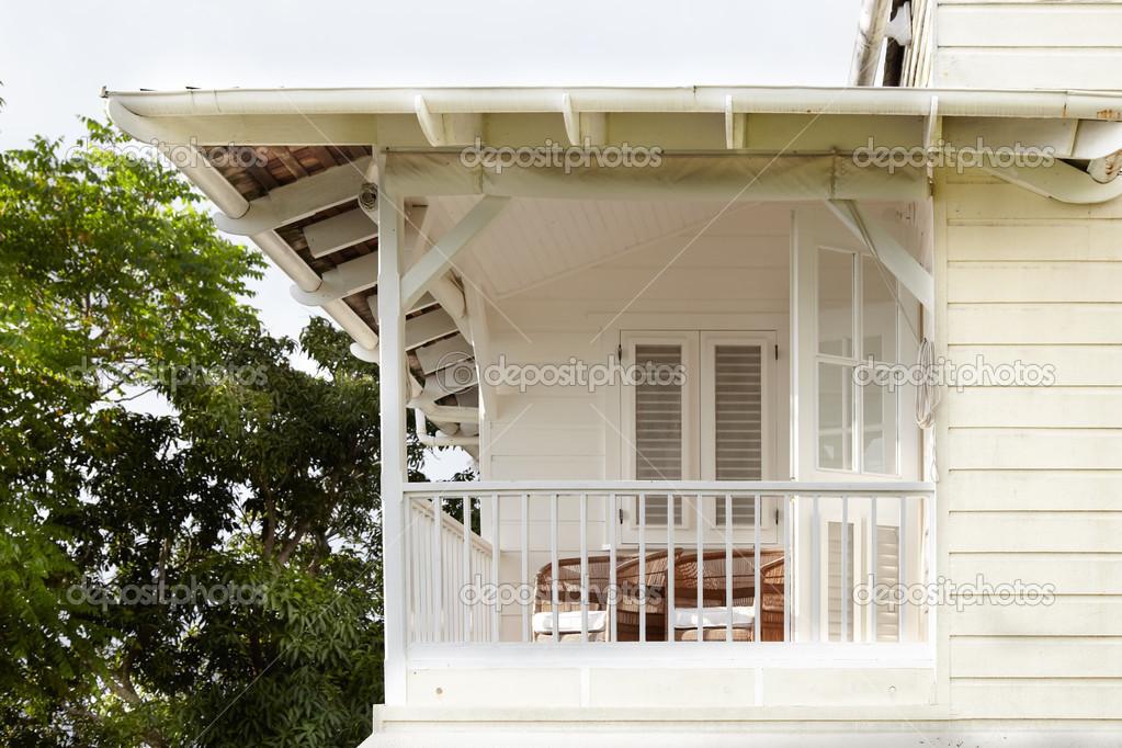 Portico di casa foto stock bruno135 40900237 for Piani di casa storici avvolgono portico