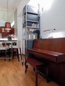 Piano in  living room — Stockfoto