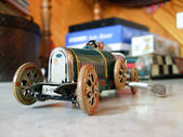 Vintage speelgoedauto — Stockfoto