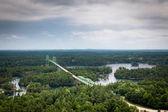 Brücke über einem fluss — Stockfoto