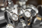 Horloges in een winkel — Stockfoto